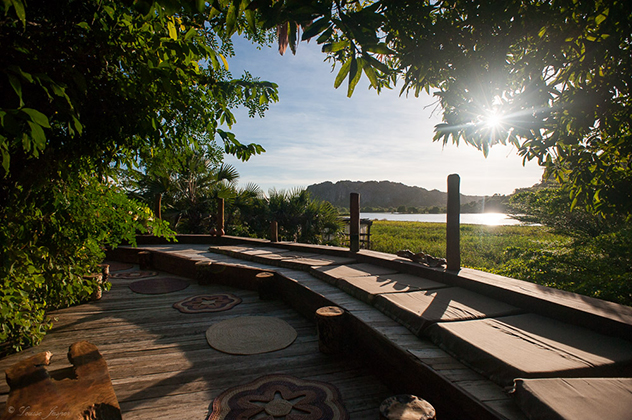 Iharana_BushCamp_la terrasse en face des Tsingy_Madagascar